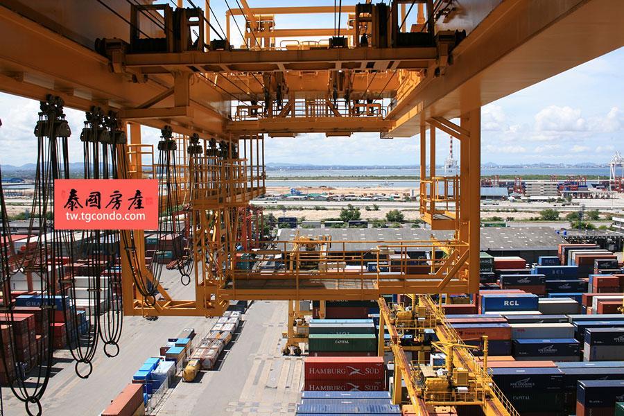 泰国最大集装箱深水港兰查邦
